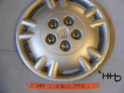 front view of hubcap # c15buic1995_1