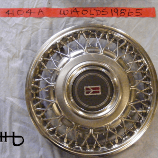 front view of hubcap # w14olds1986_5
