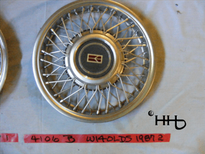 front view of hubcap # w14olds1987_2