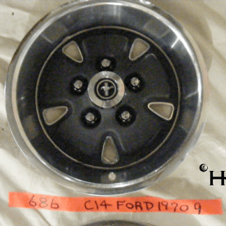 front view of hubcap # c14ford1970_9