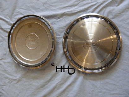 back and front view of hubcap # c14ford1983_5