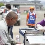 災害ボランティアは破傷風などの感染症の恐怖もある。ボランティア保険に入り防塵マスク、ヘルメットなどの万全の服装を準備すべし。自分の身は自分で守る覚悟を。