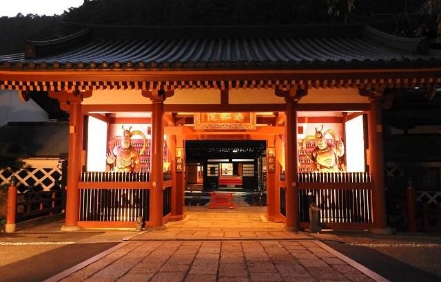 15000リツイートされ大炎上。木村ダニエル僧侶の外国人観光客反論事件の原因は高野山赤松院の精進料理が不味いから?臭い畳のせい!?