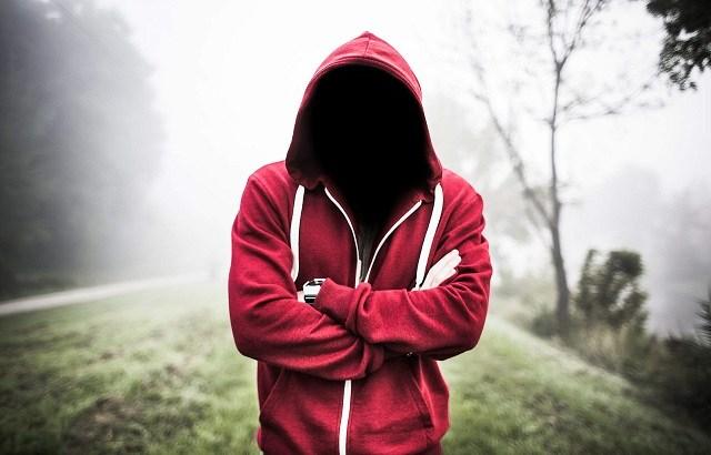 陰口とSNSのさらし行為の類似点とは?信頼される人間になりたくば陰口は言うな!さらし行為の拡散にも付き合うな。危険性を甘くみるな!