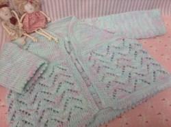 Knitted with Sidar yarn.