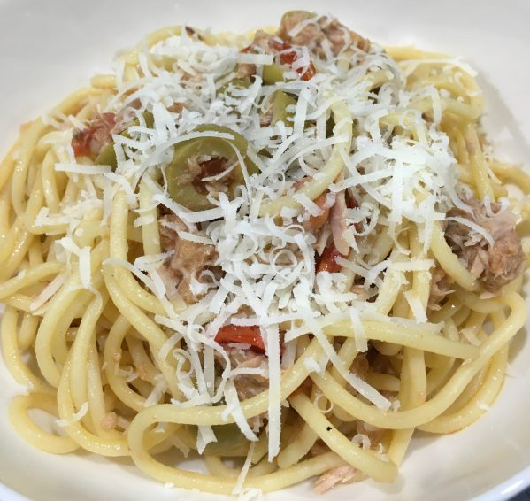 Buzymum - Quick Tuna Spaghetti with olives and parmesan