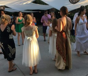 Buzymum - Dancing at the reception