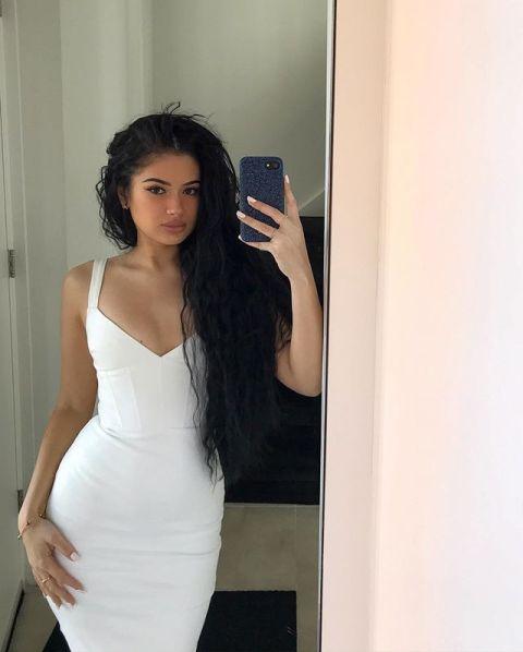 Joy'nae Elisah Bowier selfies