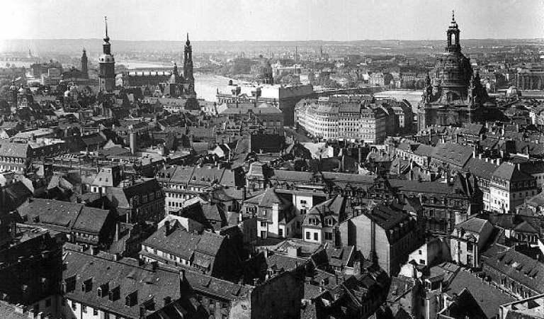 Masum İnsanların Katledildiği ve Bir Şehri Haritadan Silen Korkunç İntikam: Dresden Bombardımanı