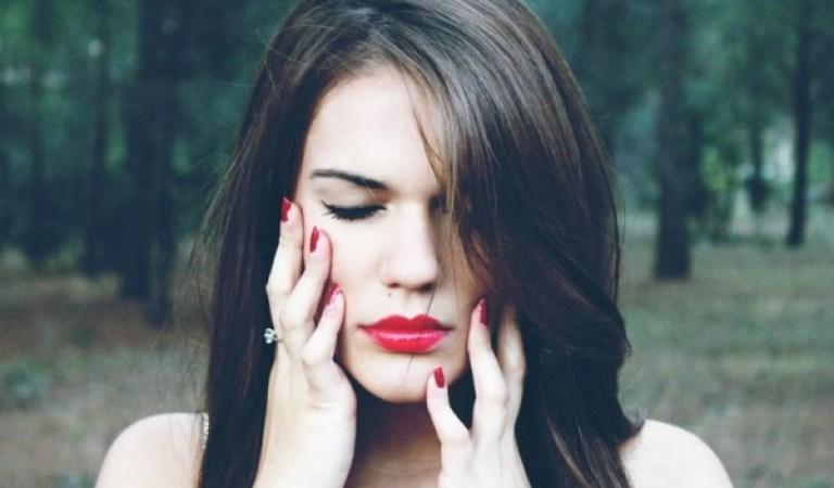 Her Kadının Mutlaka Bilmesi Gereken Stresin 11 Fiziksel Belirtisi