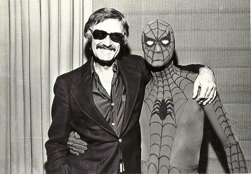 Marvel Comics editörü Stan Lee ve Örümcek Adam