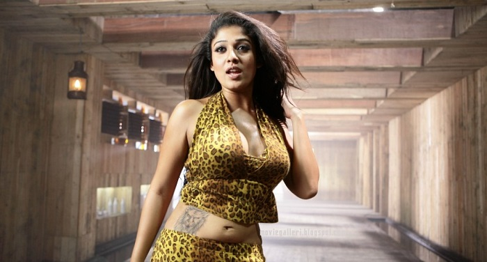 Photo Credit http://moviegalleri.net/2009/06/nayantara-hot-sexy-hq-wallpapers-photo-gallery-stills.html