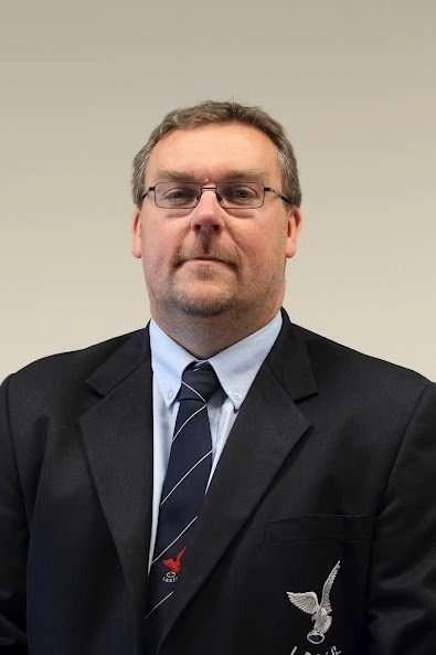 Lee Beaumont : Chairman