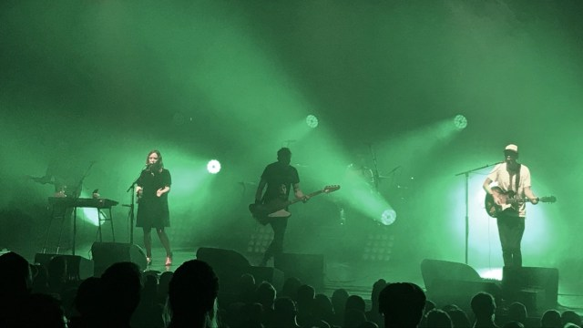 Slowdive at the Wiltern (Photo by Roy Jurgens)