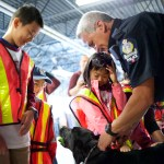 Cst Hogg demonstrated how Police Dog detects for explosives
