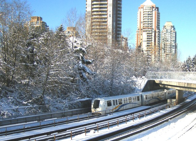Transit tips to manage inclement weather