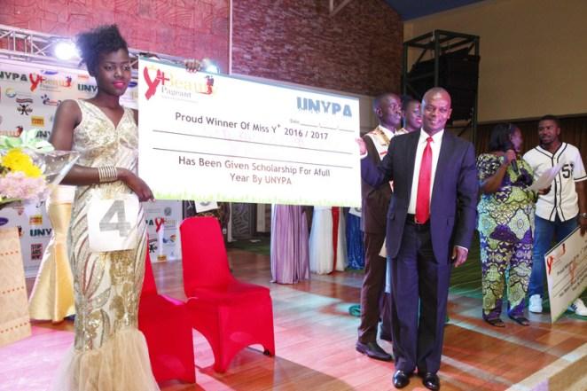 tryphena-natukunda-winner-of-ugandan-aids-pageant