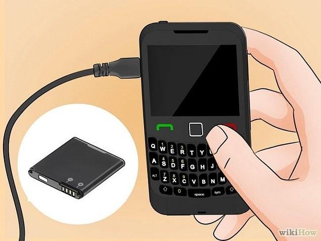 10. En az 24 saat bekledikten ve tamamen kuruduğundan emin olduktan sonra bataryasını takıp açmayı deneyebilirsiniz.