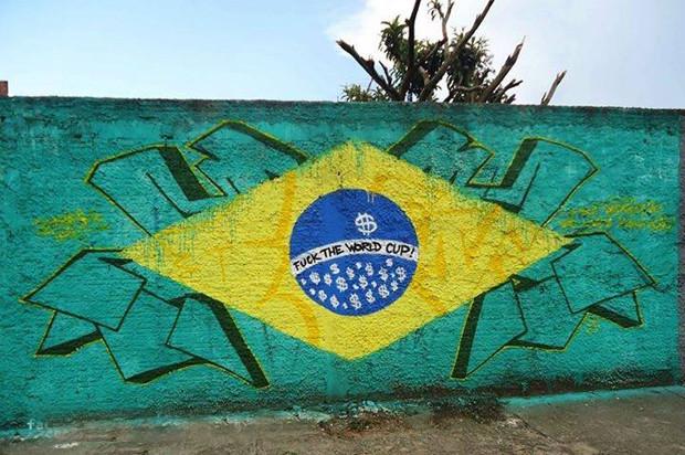 ブラジルワールドカップに反対するストリートアート (21)