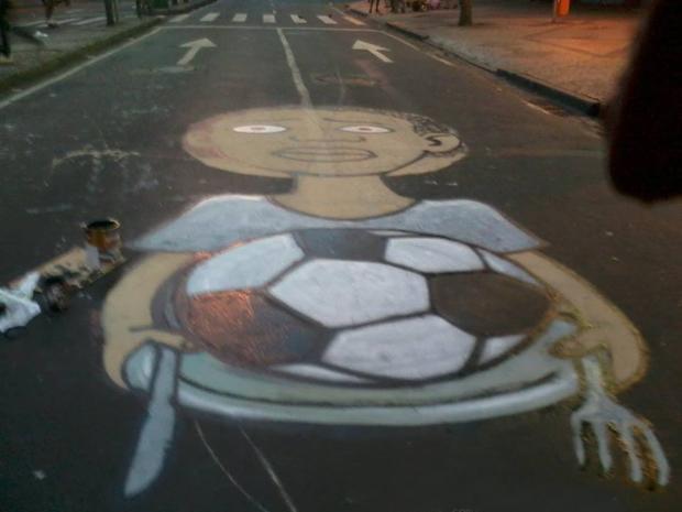 ブラジルワールドカップに反対するストリートアート (19)