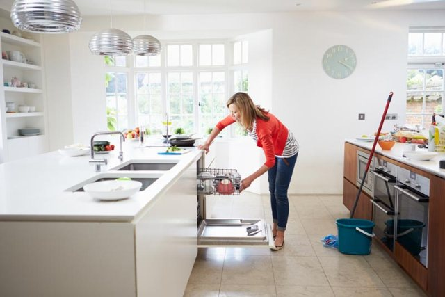 9 Things People Living In Super Clean Homes Do Everyday