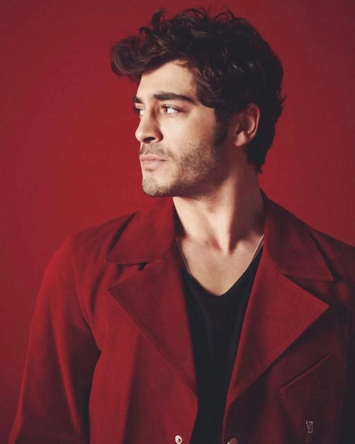 Burak-Deniz-Hot-Turkish-Actor-Turkish-men-photos-hairstyle-in-red-shirt