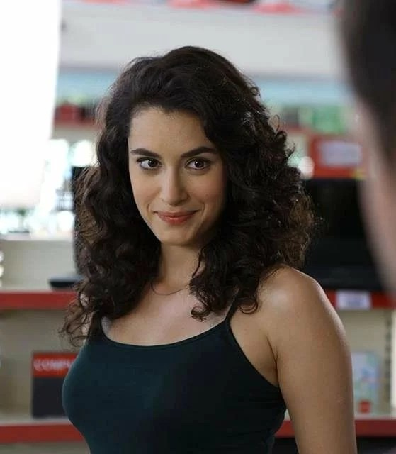 Hande Dogandemir TV Series, Movies, Husband, Everything you Need to Know.