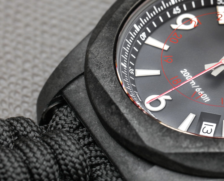 Victorinox-Swiss-Army-INOX-Carbon-Naimakka-Paracord-Strap-aBlogtoWatch-03