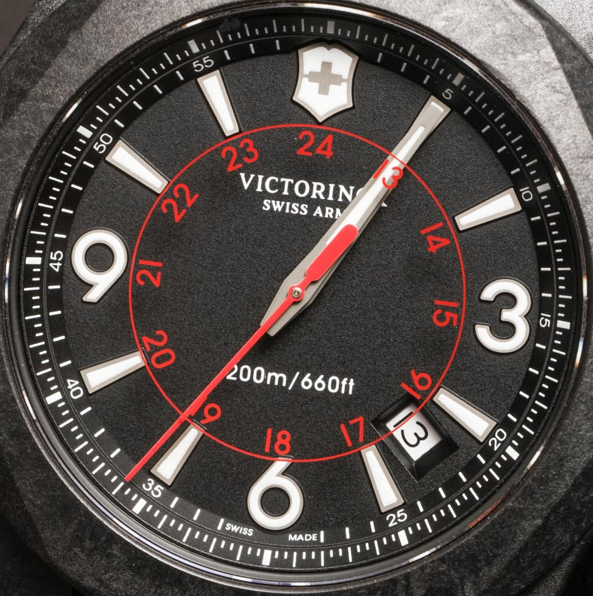 Victorinox-Swiss-Army-INOX-Carbon-Naimakka-Paracord-Strap-aBlogtoWatch-13