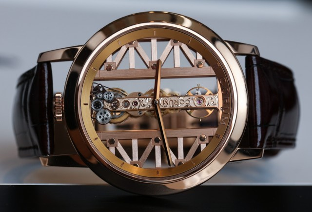 Corum-Golden-Bridge-Round-reloj-1