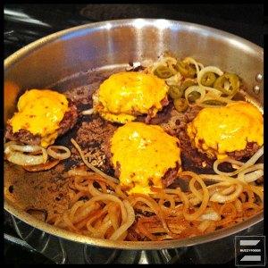 BurgersCheeseOnionPanbfLO