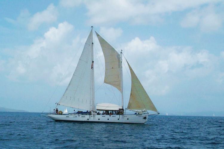 juella @ foxy's regatta 013