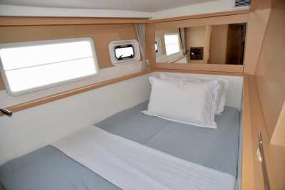 45 Lagoon 450 Sandy Interior-06