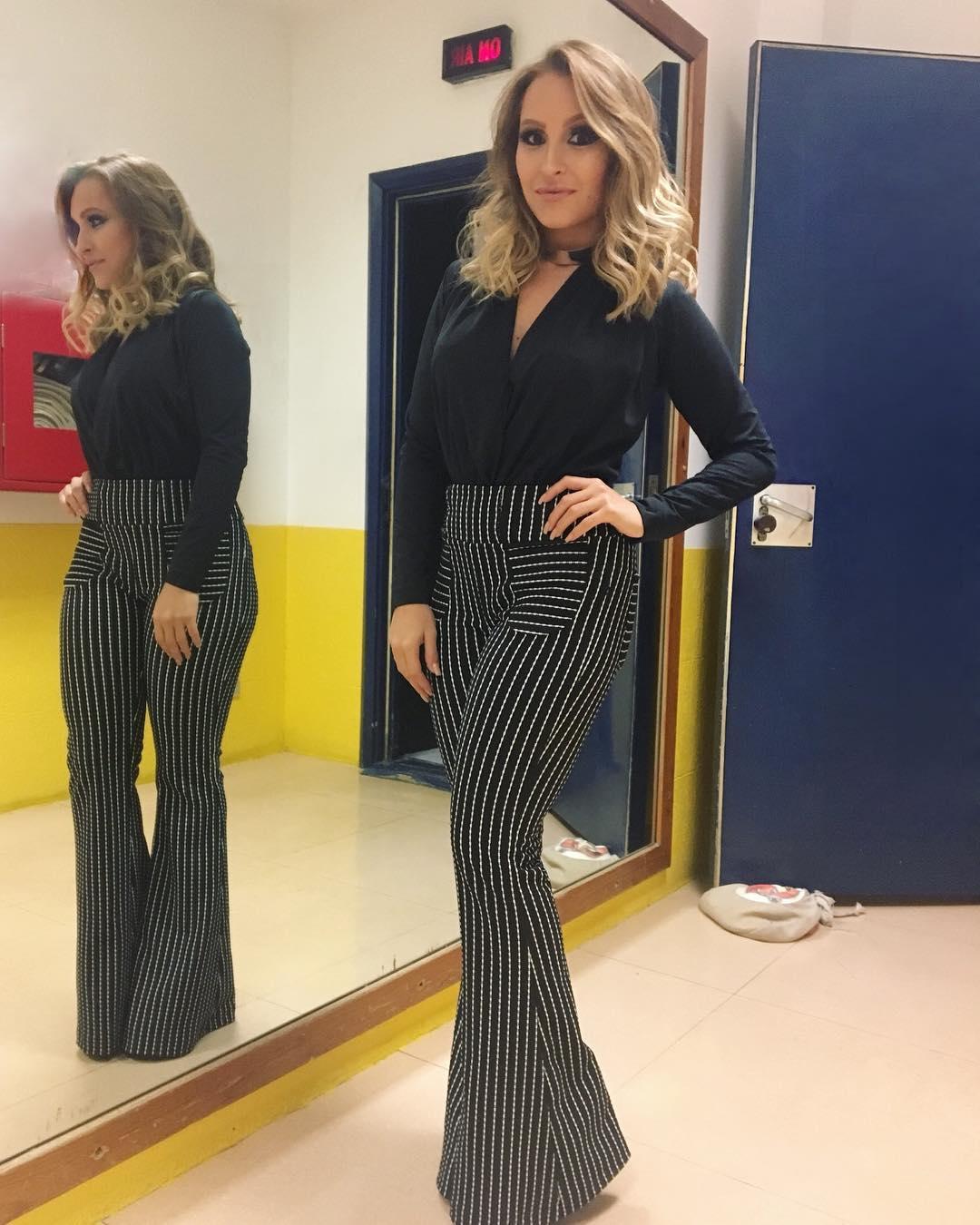 Fashion: Carla Diaz