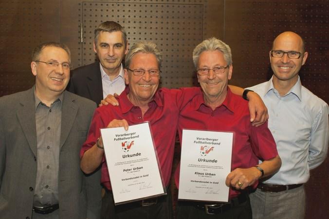 Klaus & Peter Urban bei der Verleihung der Verbandsnadel in Gold. | Foto: BWFK