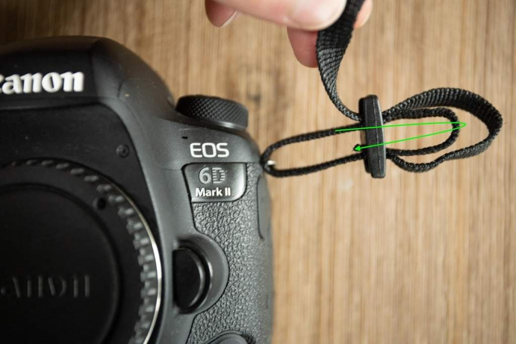 how-to-tie-camera-strap-5