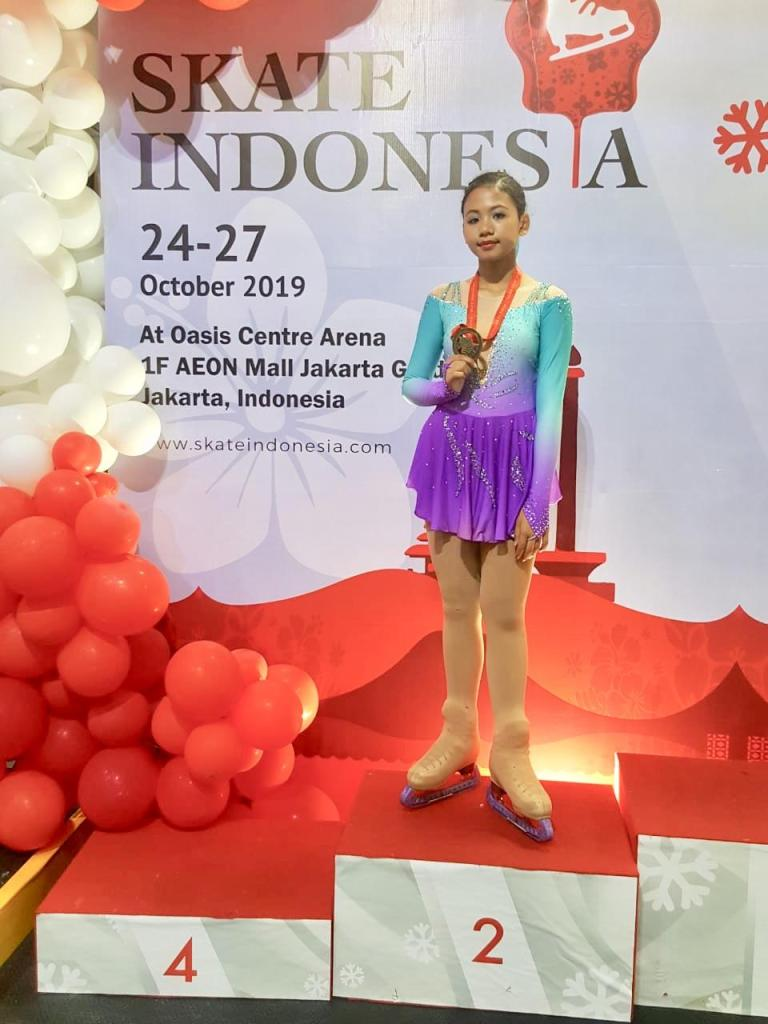 BX Rink Figure Skating Team - Skate Indonesia 2019 Oasis Centre Arena - Rhegiva Kanaylavirgi Lovtyra - 2
