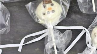 Oreo Cookies White Chocolate Snowman Pops