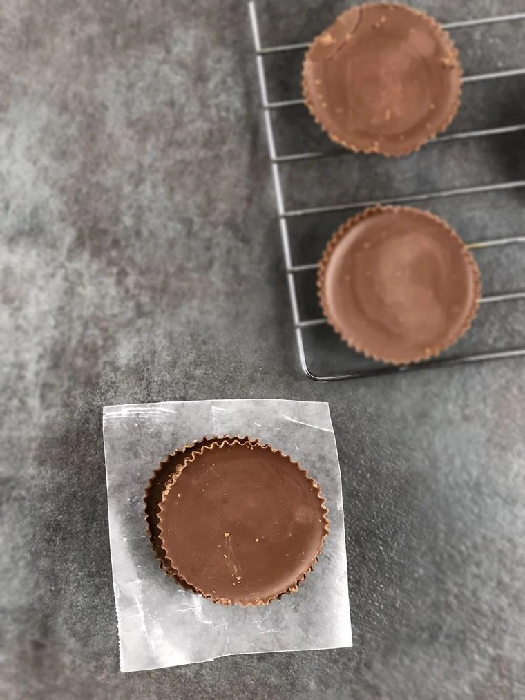 Whoever said that sweets be can't be low carb, lied. I decided to shoot my shot and makeLow Carb Reese's Cups, and they turned out great. This candy recipe hit the spot and satisfied my sweet tooth.