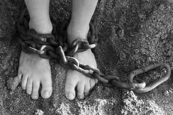 Gal 5:1-12 Deur God verlos … om vry te wees