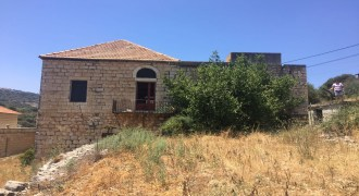 Old House for Sale Deria Batroun Housing area 200Sqm