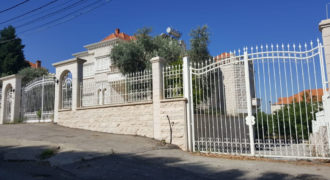Villa for Sale Gharfine Jbeil Building area 690 Sqm and Total Area Land 1200Sqm