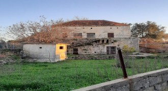 Old House for Sale Aabdelali Batroun Housing Area 100Sqm