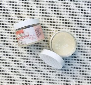 Sheacrafted natural deodorant that works! A blend of just five toxin free food based ingredients you would find in your kitchen. Raw African Shea butter based with arrowroot powder, baking soda and proprietary blend of essential oils - Passion Blend