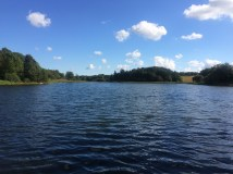 Skøn sø i en lille by nær Hjallerup.