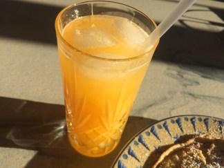 Juice med clementin og lime.