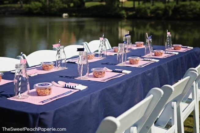 Pink-and-navy-party-table