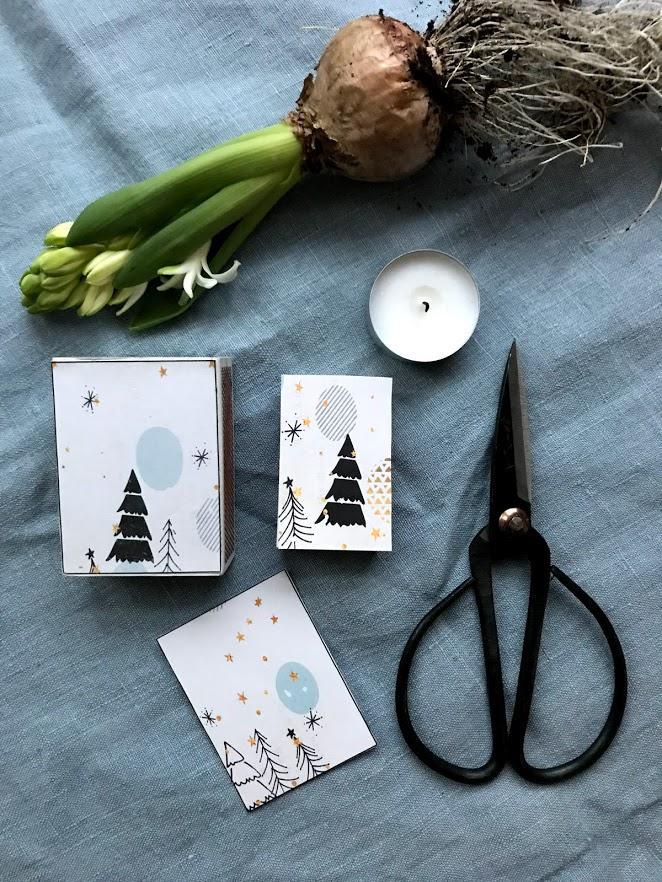 Dekorer fyrstikkesker og lag nyttige små advent og julegaver