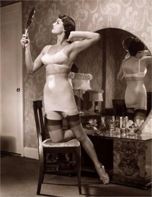 1930s boudoir shot