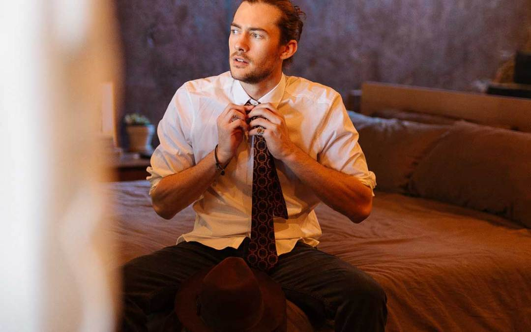 How to Tie a Tie: 8 Different Necktie Knots to Use